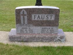 Adella R <i>Wermerskirchen</i> Faust