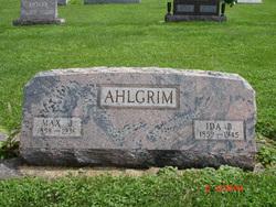 Max John Ahlgrim