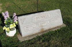 Betty Jean <i>Ross</i> Runkle