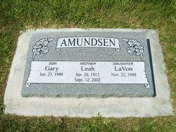 Leah <i>Peterson</i> Amundsen