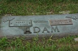 Karoline Adam