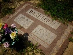 Johnnie C Barefoot