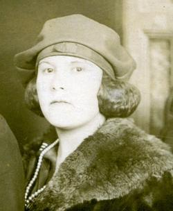 Edith Mae <i>Voyles</i> Akins