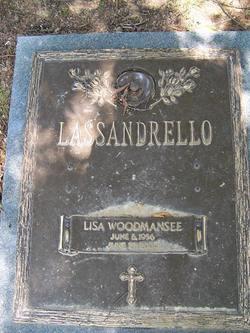 Lisa <i>Woodmansee</i> Lassandrello