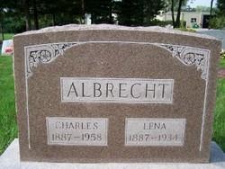 Lena <i>Kusch</i> Albrecht
