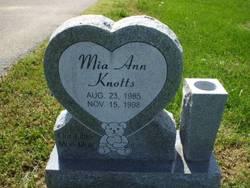 Mia Ann Knotts