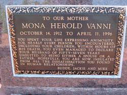 Mona <i>Herold</i> Vanni