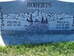 Willa R Roberts