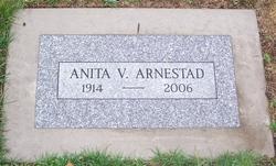 Anita V. Arnestad