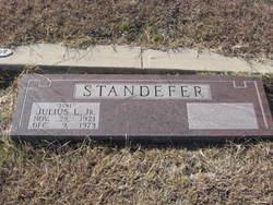 Julius L June Standefer, Jr