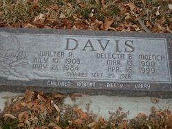 Delecta Ballantyne <i>Moench</i> Davis