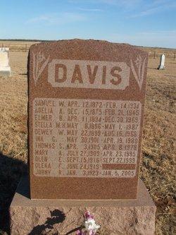 Dewey Wesley Davis