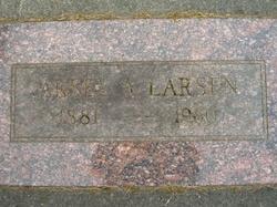 Aksel Arthur Larsen