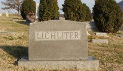 Elizabeth C Lichliter