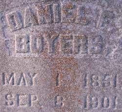 Daniel E Boyers