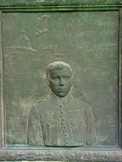 Capt Vicente Almandos Almonacid