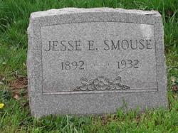 Jesse E Smouse