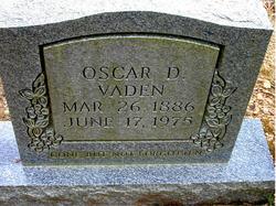 Oscar D Vaden