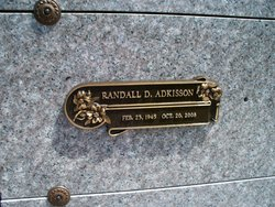 Randall D Adkisson