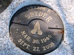 Sharon D Snyder