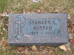 Stanley L Sam Austad