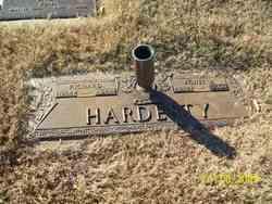 Agnes M <i>Feezor</i> Hardesty