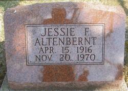 Jessie Fern <i>Poush Juntunen</i> Altenbernt