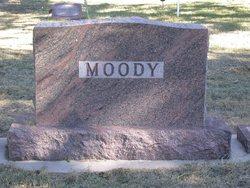 Onna <i>Overman</i> Moody