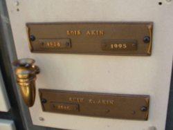 Ruth E Akin