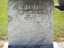 Sarah Della Della <i>Houston</i> Crook