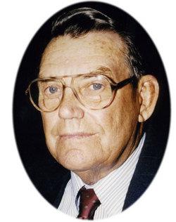 Lloyd Dewitt Plyler