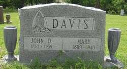 Mary <i>Malicoat</i> Davis