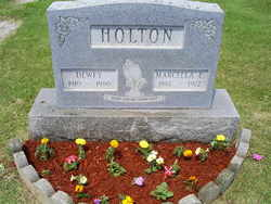 Marcella Eileen <i>Dray</i> Holton