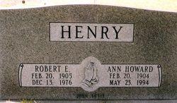 Robert E Bob Henry, Sr