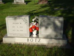 Julian W Botz