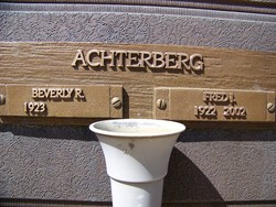 Beverly R Achterberg
