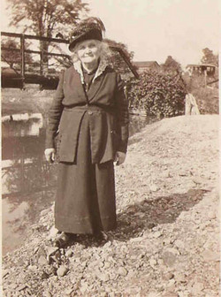 Anna Maria <i>Barrett</i> Hellems