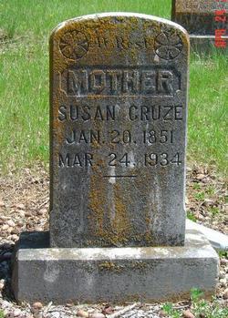 Susan <i>Houser</i> Cruze