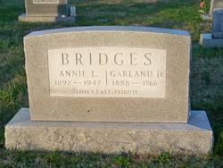 Annie L. <i>Thomas</i> Bridges