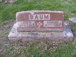 Leah R Baum