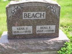 Benjamin E Beach