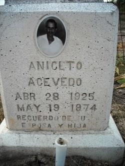 Aniclto Acevedo