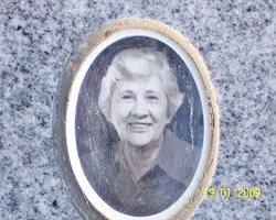 Mildred E <i>Reis</i> Avilla