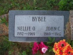 Nellie Oral <i>Moore</i> Bybee