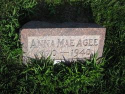 Anna Mae <i>Bader</i> Agee