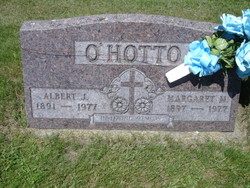 Margaret M <i>Hoppe</i> O'Hotto