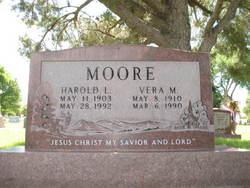 Vera Mae <i>Fleming</i> Moore