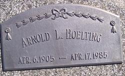 Arnold L Hoelting