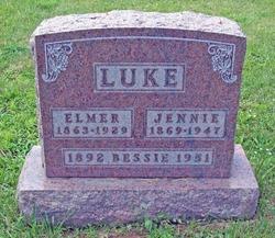 Bessie R. <i>Luke</i> Blain