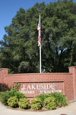 Lakeside Memorial Lawn Cemetery